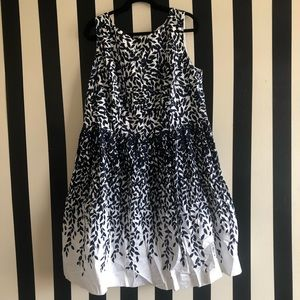 Blue & White Leafy-Design Dress